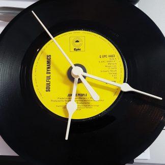 Horloge vinyle que nous avons fabriqué.